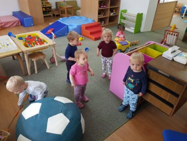 Skupina malenih Zečića veselo je skakutala našom sobom i igralištem