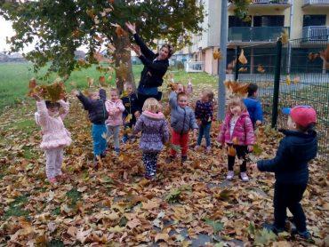 Vrijedni istraživači u Leptirićima obilježili jesen i mjesec knjige
