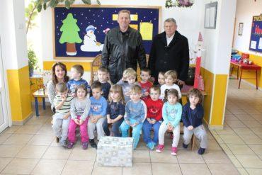 Slatki pokloni za djecu